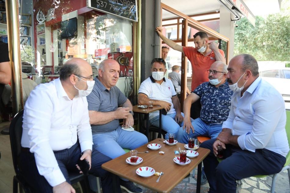 2020/06/1593465744_başkan_biyik,_vatandaşlarla_çay_içip_sohbet_etti_(9).jpg