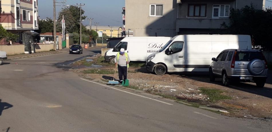 2020/10/1602500048_darica_sokak_sokak_temizleniyor_(6).jpg