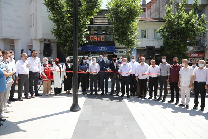 2021/07/1626346748_darica-da_15_temmuz-da_şehitlik_ziyareti_-3.png