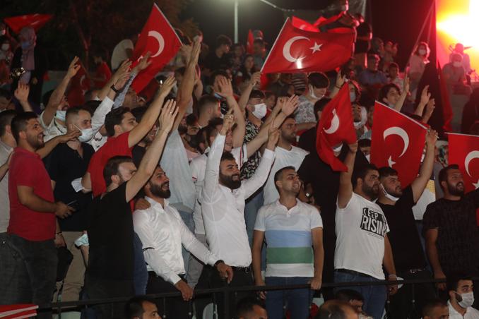 2021/07/1626428558_darica_15_temmuz-da_tek_yürek_oldu_-5.png