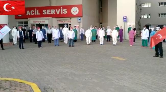 Darıcalı sağlık çalışanları, İstiklal Marşı'mızı okudu!