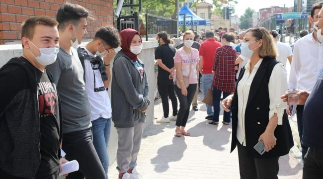 Başkan Hürriyet öğrencileri, YKS öncesi yalnız bırakmadı!