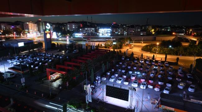 Gebze Center'ın Arabalı Sinema Günleri'ne yoğun ilgi!
