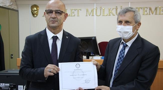 MHP'li Ünlü mazbatasını aldı