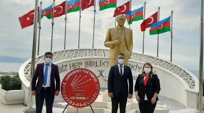 CHP Darıca'dan Atatürk Anıtı'na 29 Ekim çelengi!