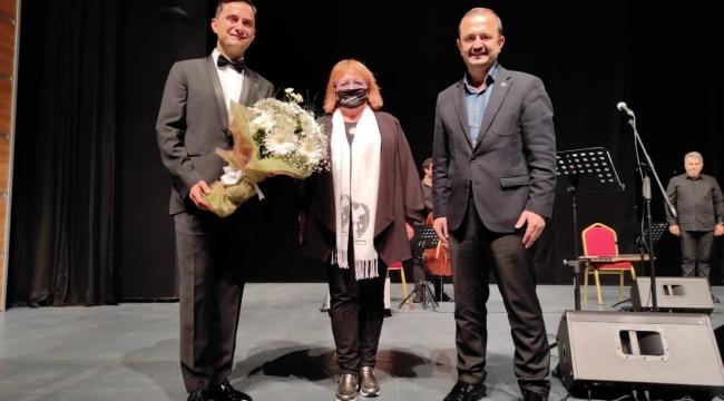 Atatürk'ün sevdiği şarkılar Gebze'de seslendirildi