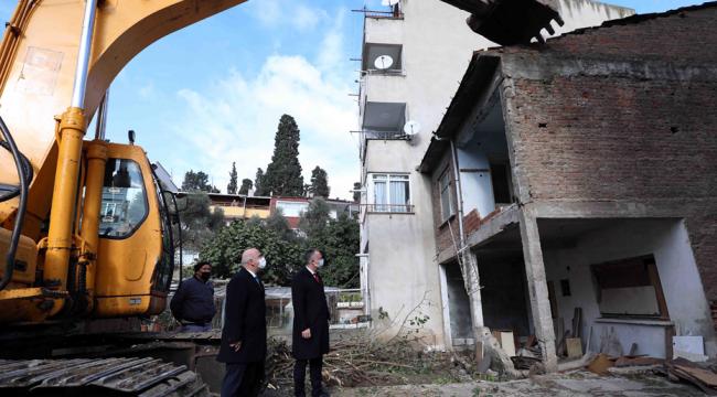 Darıca'da hasarlı olan binaların yıkımına başlandı!