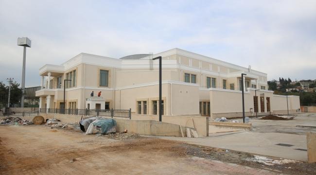 Darıca'da yeni yapılan spor salonu özgün mimarisi ile dikkat çekiyor