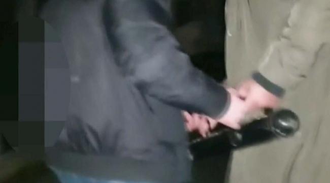 Polis, koçbaşıyla içeriye girdi