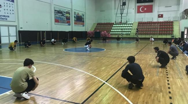 Çayırova'da akademi hazırlık kursları devam ediyor