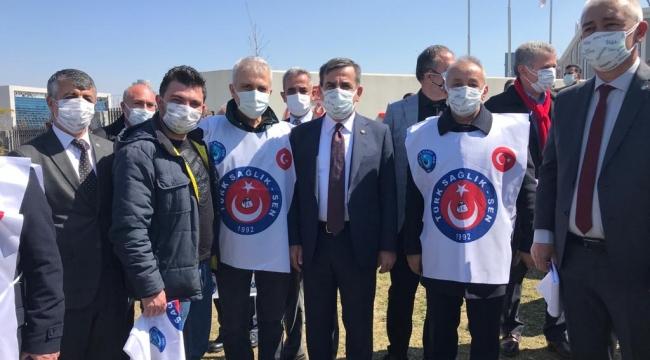 Sağlık çalışanlarının sorunlarını haykırdılar