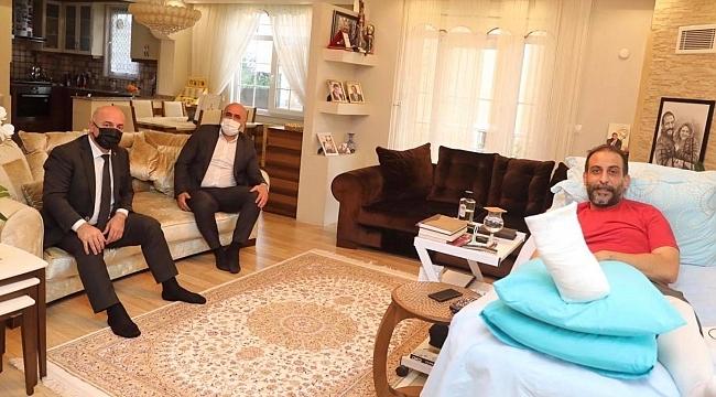 Başkan Bıyık, ameliyat geçiren Başkan Gülen'i ziyaret etti