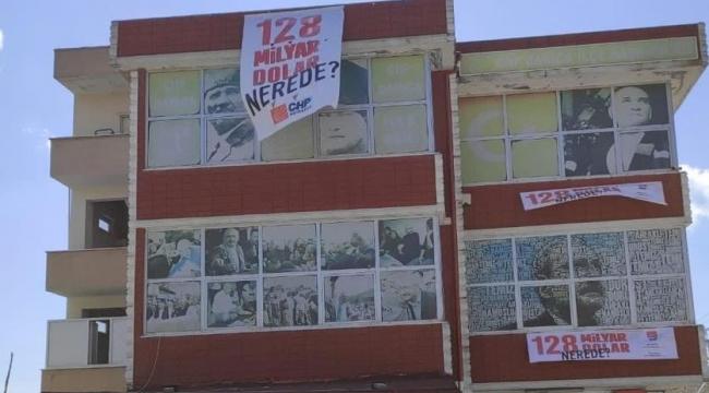 CHP Darıca'da pankart astı!