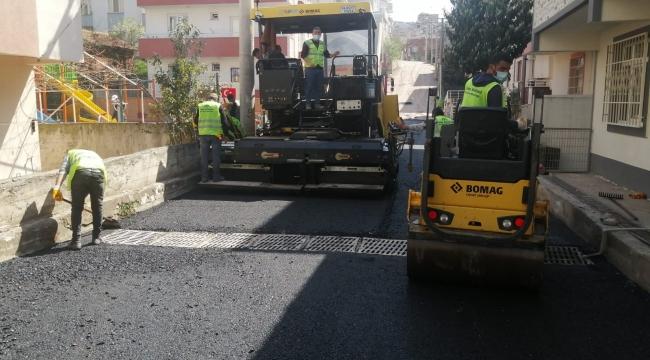 Gebze'de sokaklarında sıcak asfalt çalışmaları