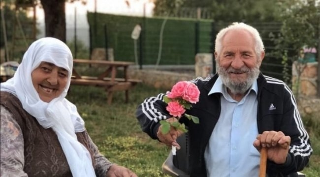 Yaşlı çift aynı gün hayatını kaybetti