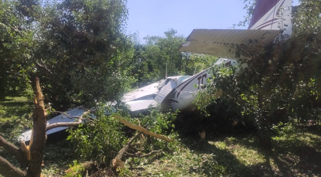 Kocaeli'den kalkan eğitim uçağı Bursa'da zorunlu iniş sırasında düştü: 2 yaralı