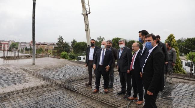 Milletvekili Çakır, Nenehatun Spor Kompleksi'ndeki çalışmaları inceledi