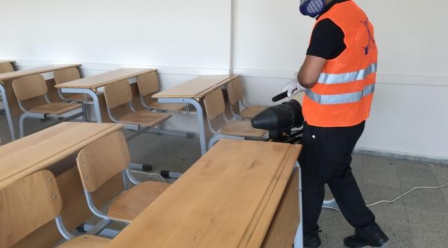 Sınav öncesi Darıca'da okullar dezenfekte edildi