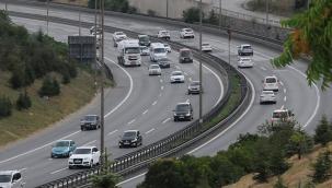 Bayram tatili dönüşünde Kocaeli geçişinde trafik yoğun ve akıcı