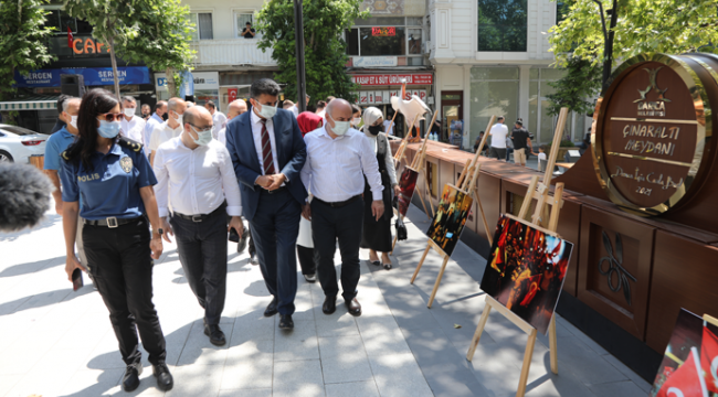 Çınaraltı Meydanı'nda 15 Temmuz sergisi açıldı!