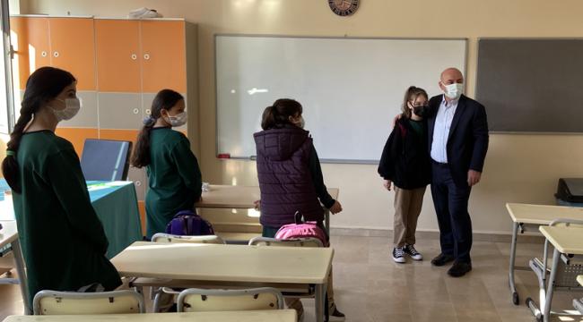 Başkan Bıyık, okullarda öğrencilerle buluşuyor!