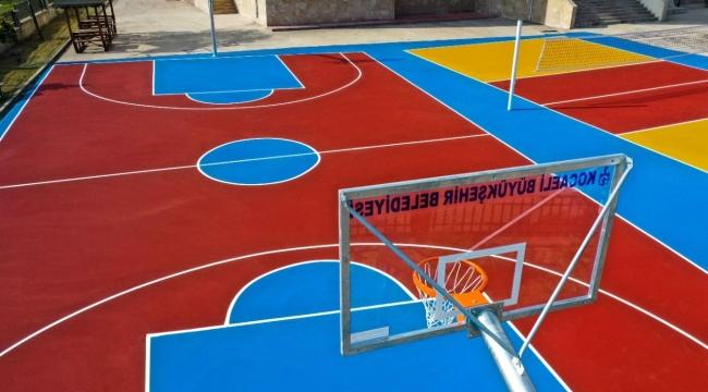Darıca'da 7 okula basketbol ve voleybol sahası yapılıyor
