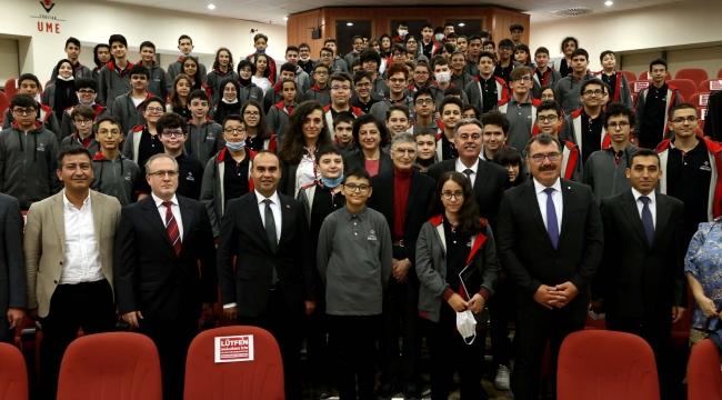 Nobel ödüllü Prof. Dr. Aziz Sancar, Gebze'de öğrencilerle buluştu