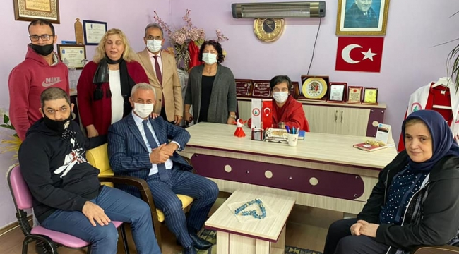 Başkan Çiler'den Darıca Bir Umut Engelliler Derneği'ne ziyaret