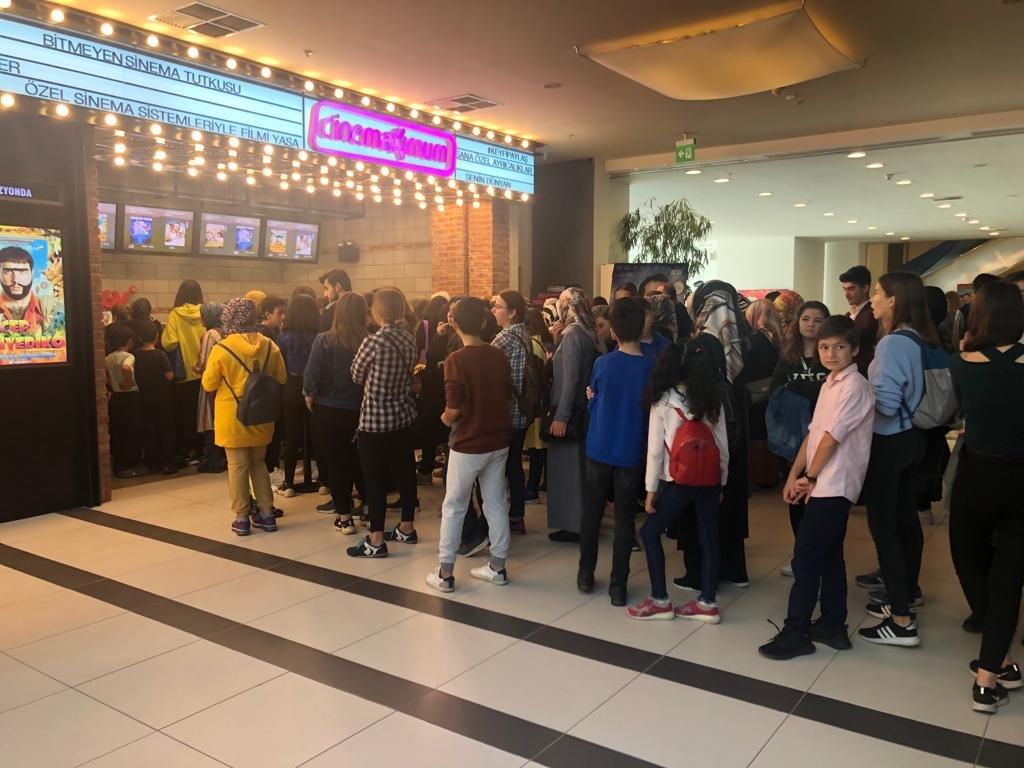 Gebze Center Cinemaximum'da ''Karlar Ülkesi ''Kuyruğu