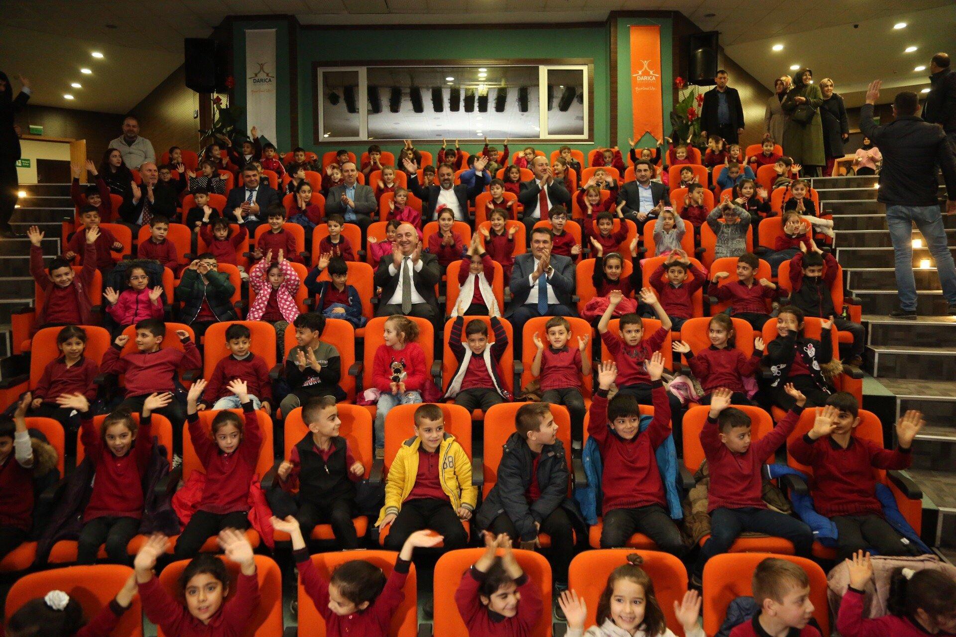 Darıca'da 14 bin öğrenciye tiyatrolu eğitim!