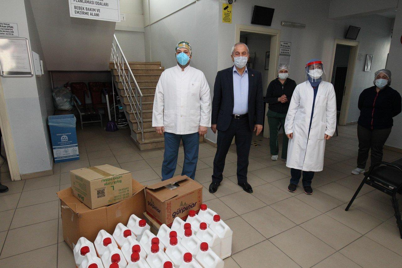 Büyükgöz'den, sağlıkçılara malzeme desteği