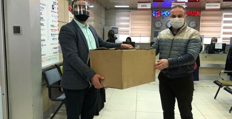 5 bin adet siperli koruyucu maskeyi elleriyle dağıttı!