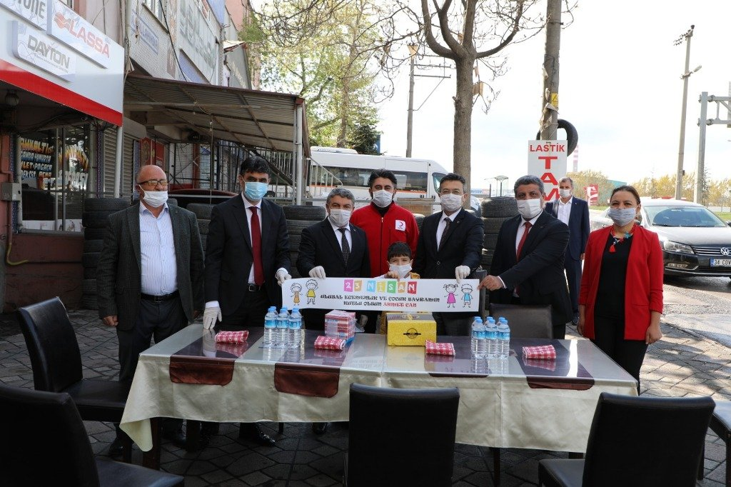 Dilovası Belediyesi 23 Nisan coşkusunu evlere taşıdı!