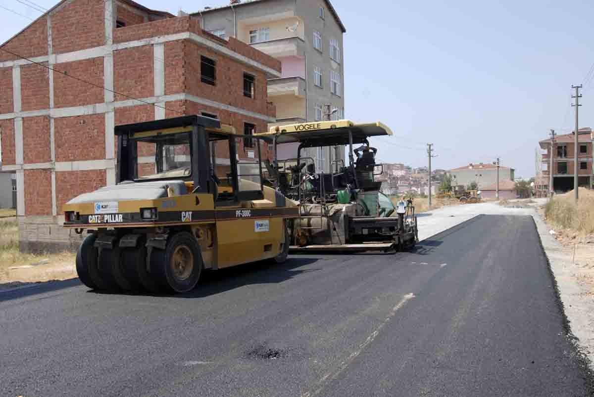 Sırasöğütler Caddesi'ne asfalt